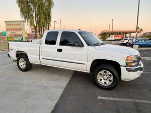 2005 GMC Sierra V8 Clean Title 4x4 for Sale in Mesa, AZ