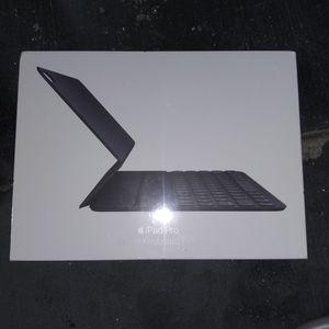 Apple Ipad Pro Smart Keyboard Folio for Sale in Cypress, CA