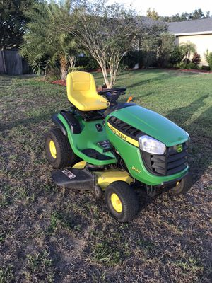 JOHN DEERE D130 HYDROSTATIC TRACTOR 42 INCH RIDING LAWN MOWER for Sale in Clermont, FL