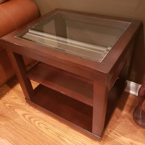 Side table/accent table for Sale in Manasquan, NJ