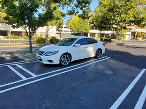 2017 Nissan Altima SR / with warranty for Sale in Hayward, CA