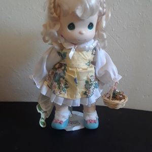 Precious Moments MORNING GLORY MARCH Doll for Sale in Tampa, FL