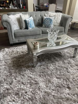 Custom living room set sofa and love seat and cocktail table for Sale in Georgetown, AR
