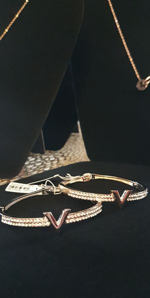 Stainless steel bracelets for women very high quality silver and gold for Sale in Hickory Hills, IL