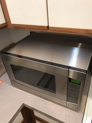 LIKE NEW GE PROFILE COUNTER-TOP MICROWAVE for Sale in Baltimore, MD