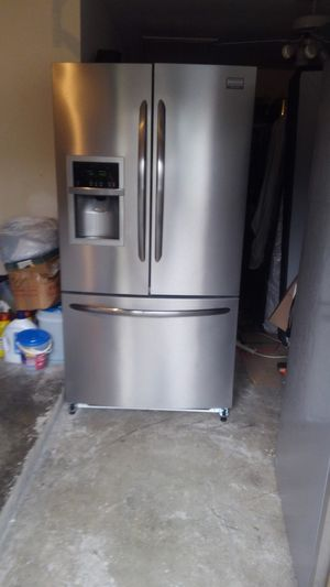 Refrigerator Todo trabaja bien for Sale in Houston, TX