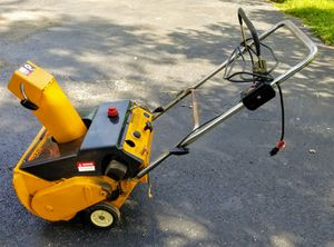 MTD 2 Cycle Snow Blower 3/21 for Sale in Pataskala, OH