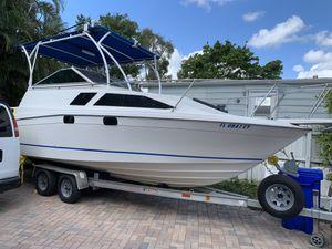 Boat Bayliner for Sale in Pembroke Pines, FL