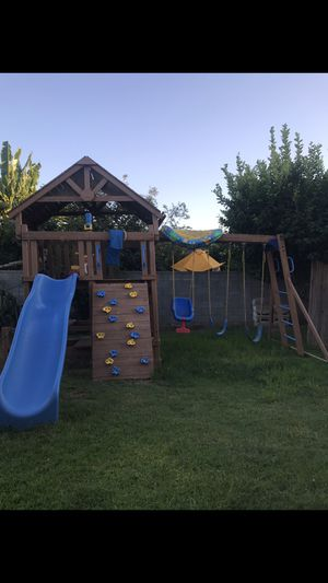 Kids Playhouse / Playground / Playset / Swing set for Sale in Long Beach, CA