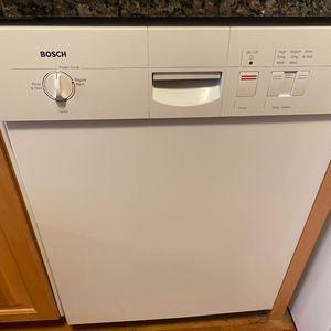 Bosch dishwasher model SHU3032UC for Sale in Syosset, NY
