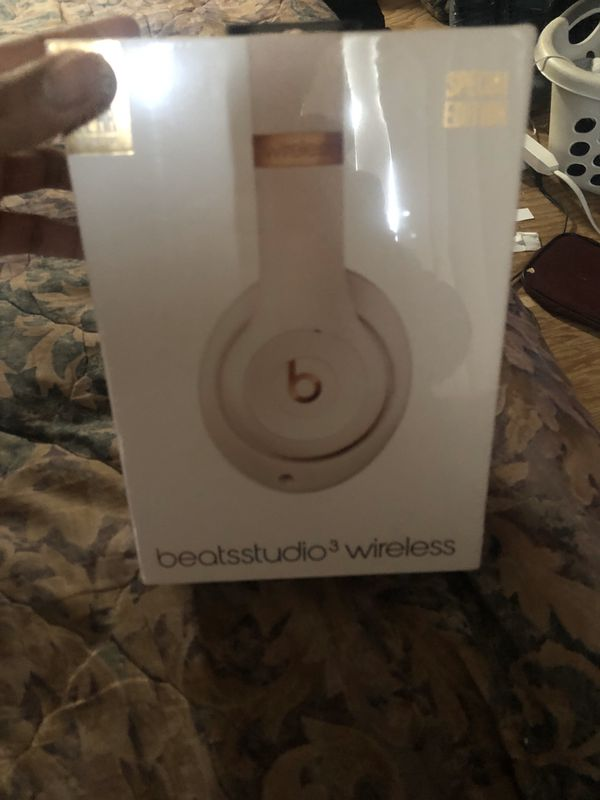 Beats by Dre Studio 3 special edition light pink