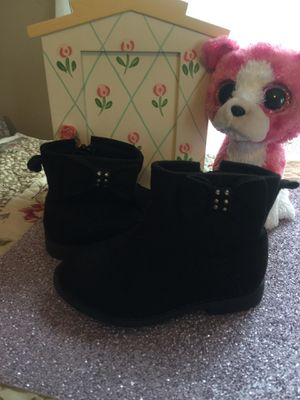Little girls black suede boots size 🐥euc great for Spring size 4 for Sale in Northfield, OH