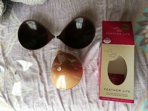 Set of 2 feather lite self adhesive strapless super light reusable bra, chocolate and nude for Sale for sale  Edison, NJ