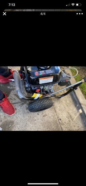 DEWALT 3600 PSI at 2.5 GPM HONDA GX200 with AAA Triplex Pump Cold Water Professional Gas Pressure Washer for Sale in Torrance, CA