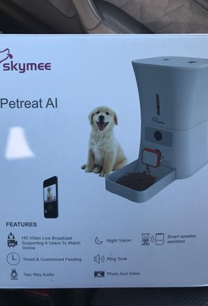 Skymee- Automatic Pet Feeder / Dog Food Dispenser for Sale in West Covina, CA
