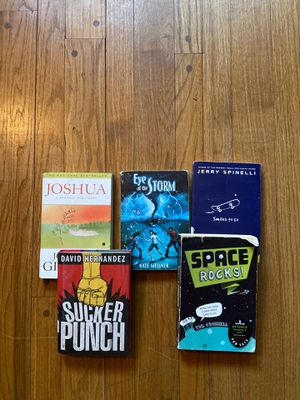 5 Middle School chapter books for Sale in New Britain, CT