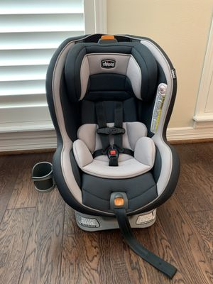 Chicco nextfit convertible car seat for Sale in Houston, TX