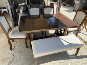 Dining table for Sale in Banning, CA