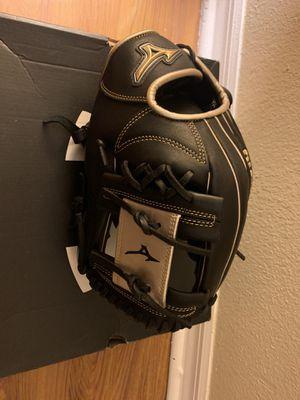 Baseball Glove NEW for Sale in Orlando, FL