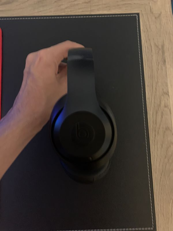 Beats Studio 3 (NEW CONDITION)