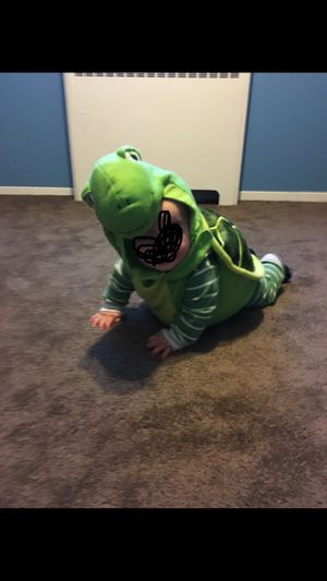 6-12 month Halloween turtle costume for Sale in Levittown, PA