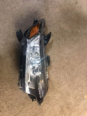 2017-2018-2019 Mitsubishi Outlander ES Right heand headlamp for Sale in Victorville, CA