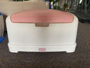 Fisher Price Little Tikes Large Toy Box for Sale in Strongsville, OH