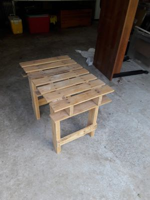 Pallet end table for Sale in Suwanee, GA