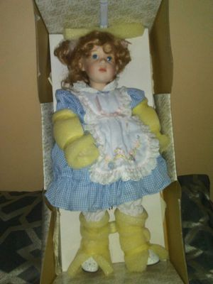 collectible memories porcelain doll for Sale in Upper Marlboro, MD