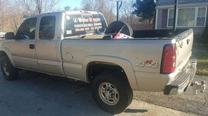 2005 chevy 2500 hd for Sale in Hudson, MA