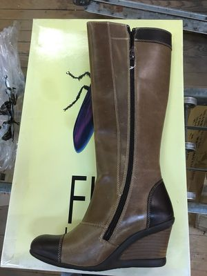 Fly London boots women's euro size 37 for Sale in St. Louis, MO