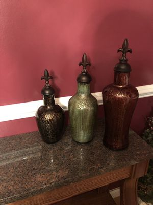 Ansen Home Decor 3 piece Modern Luxe Bottles vase set for Sale in Shelby Charter Township, MI