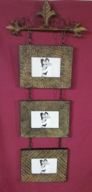 Elegantly scrolled metal hanging picture set for Sale in Rogersville, MO