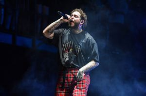 Post Malone Runaway Tour Lower Level Aisle Seats 1, 2 for Sale in Phoenix, AZ