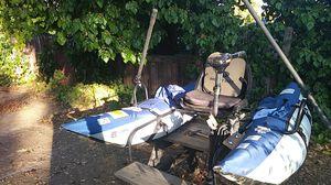 Roanoke pontoon boat for Sale in Fair Oaks, CA