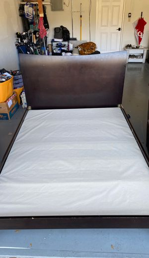 Queen bed frame with bunky board for Sale in Orlando, FL