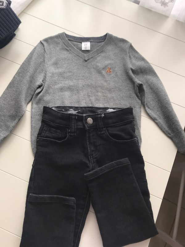 Gap , pants and sweater, 3T