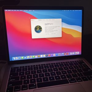 MacBook Pro (13-Inch, 2017, Two Thunderbolt) for Sale in Sylmar, CA