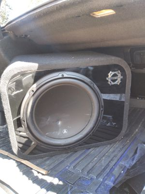 12 inch jl audio speaker little damage from my son's stroller still works and 750 watt Alpine amp for Sale in Colorado Springs, CO