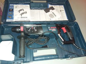 Bosch bulldog xtreme rotary hammer drill for Sale in Houston, TX