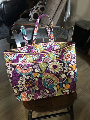 Vera Bradley Purple Floral Large Tote/Overnight Bag for Sale in New Stanton, PA