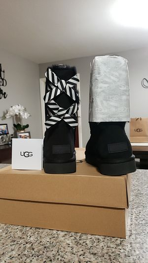 Authentic UGG size 9 NEW for Sale in Fontana, CA