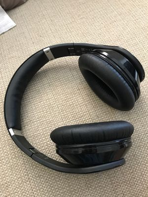 M-Pow wireless headphone - Bluetooth for Sale in Pittsburgh, PA