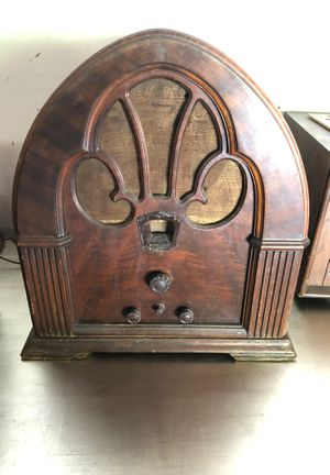 Antique tube radio for Sale in Savannah, GA