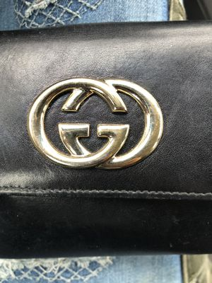 Gucci wallet for Sale in Oakland, CA