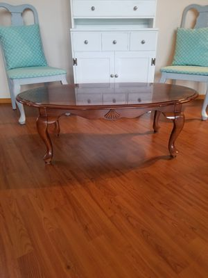 Queen Anne style coffee table for Sale in Lake Stevens, WA