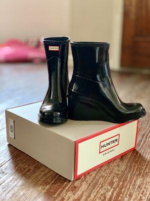 Women's Hunter wedge rain boot size 8 for Sale in Eastpointe, MI