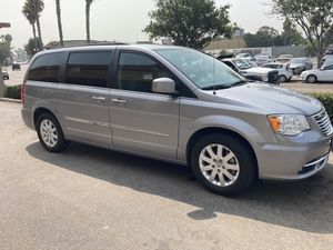 2016 Chrysler Town And Country touring excellent condition for Sale in San Diego, CA