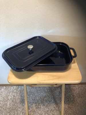 New Stoneware rectangular baker with lid for Sale in Mount Vernon, WA