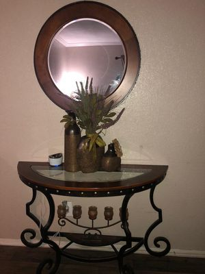 Selling corner table and Mirror for Sale in Dallas, TX